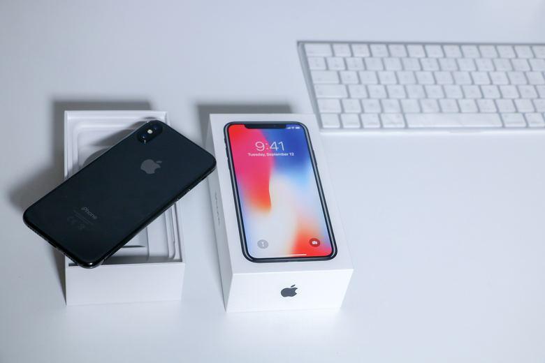 iPhoneXのバッテリー交換はどこで行える?残量を知る方法ってあるの?