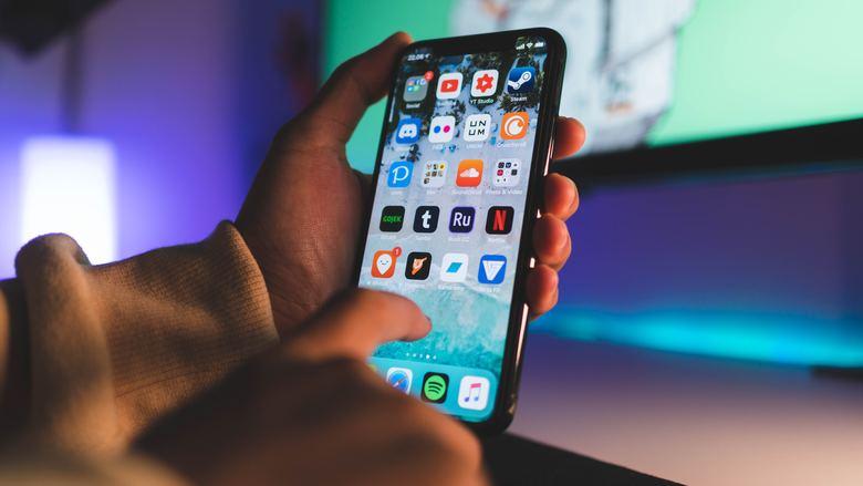 iPhoneXRのバッテリー交換の目安とは?