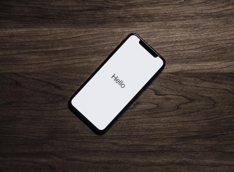 iPhoneXSの画面割れ修理ができる場所とは?料金はどのくらい?