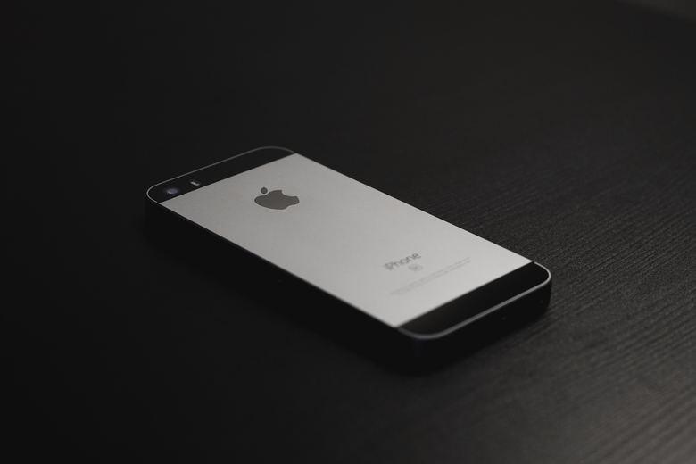 iPhone5sを修理可能な場所・料金相場とは